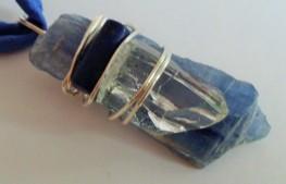 Colgante cianita, cuarzo y lapis lazuli